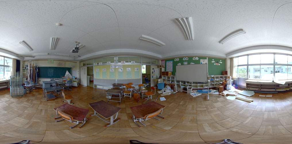 A screenshot from a 360 degree documentary project made by XR Hub team 361. An empty classroom.
