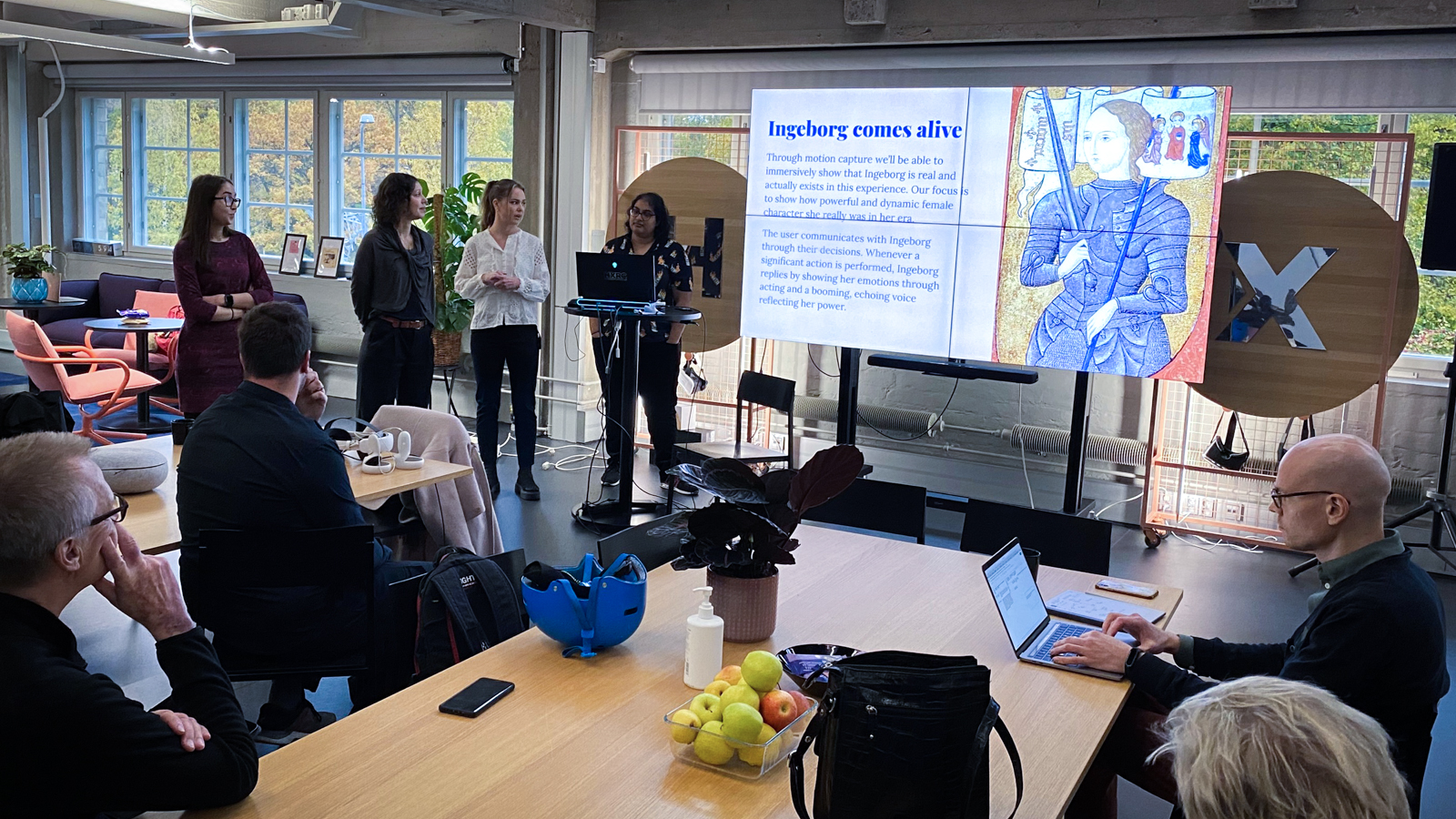The winning team of Embrace Impact presenting their project on Ingeborg.